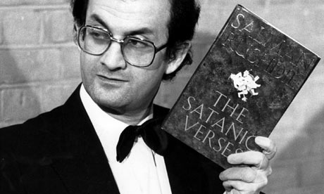 Salman-Rushdie-holding