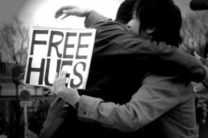 Διαθέτω μια ελεύθερη αγκαλιά