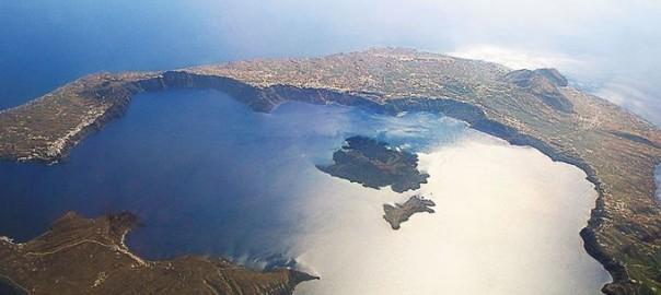 santorinis-caldera