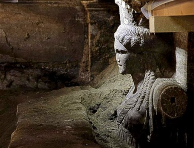 Εξαιρετικής τέχνης καρυάτιδες στην Αμφίπολη, εντυπωσιακές φωτογραφίες από τα ευρήματα