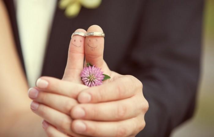 «Να παντρευτεί κανείς ή να μην παντρευτεί», απαντήσεις από τον ψυχίατρο, ψυχαναλυτή Ματθαίο Γιωσαφάτ
