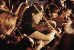 Τους τρέλανε η μουσική του Θεοδωράκη σε συναυλία κλασσικής μουσικής…