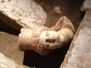 Αμφίπολη: Βρέθηκε το κεφάλι Σφίγγας, εντυπωσιακές φωτογραφίες