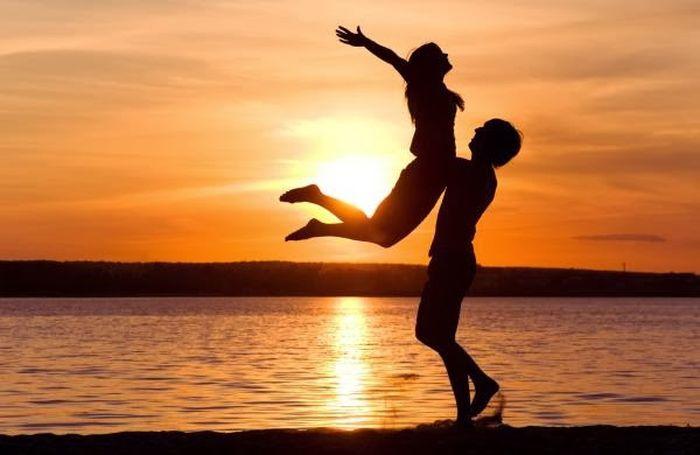 Μπορούμε να είμαστε ευτυχισμένοι αν δεν έχουμε ερωτικό σύντροφο;