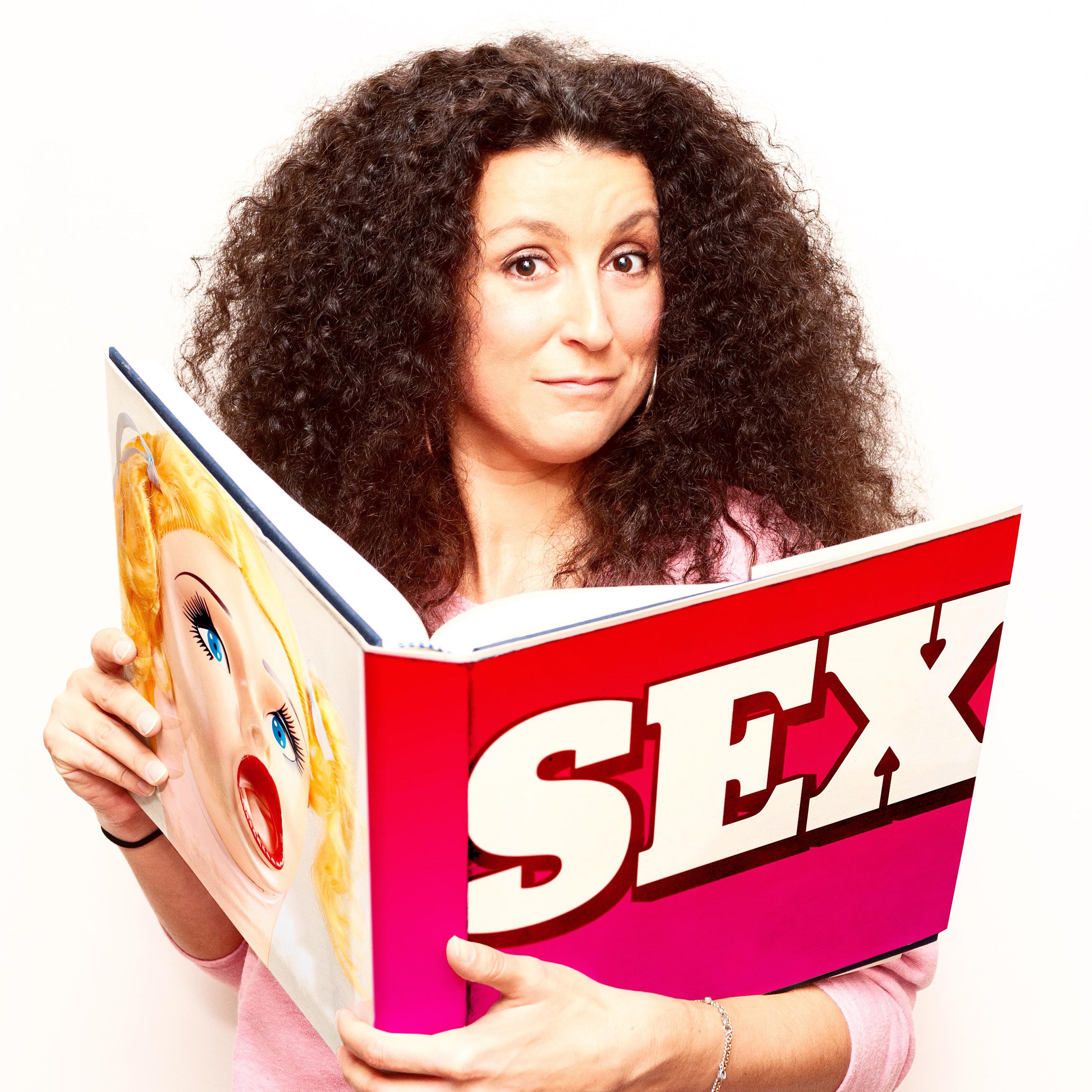 Κατερίνα Βρανά: το CNN την κατέταξε στην λίστα «Γυναίκες Κωμικοί Που Πρέπει Να Δείτε» *συνέντευξη