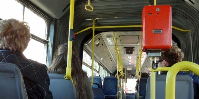 Οι σκέψεις που σε κατακλύζουν στα μέσα μεταφοράς