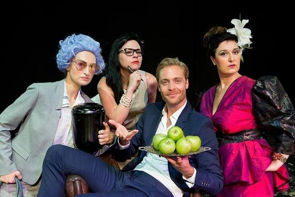 Είμαι σαν εσάς, λατρεύω τα μήλα –  μία προσπάθεια επικοινωνίας»  μεταξύ ηθοποιών, χαρακτήρων, δύο γλωσσών, δύο πολιτισμών