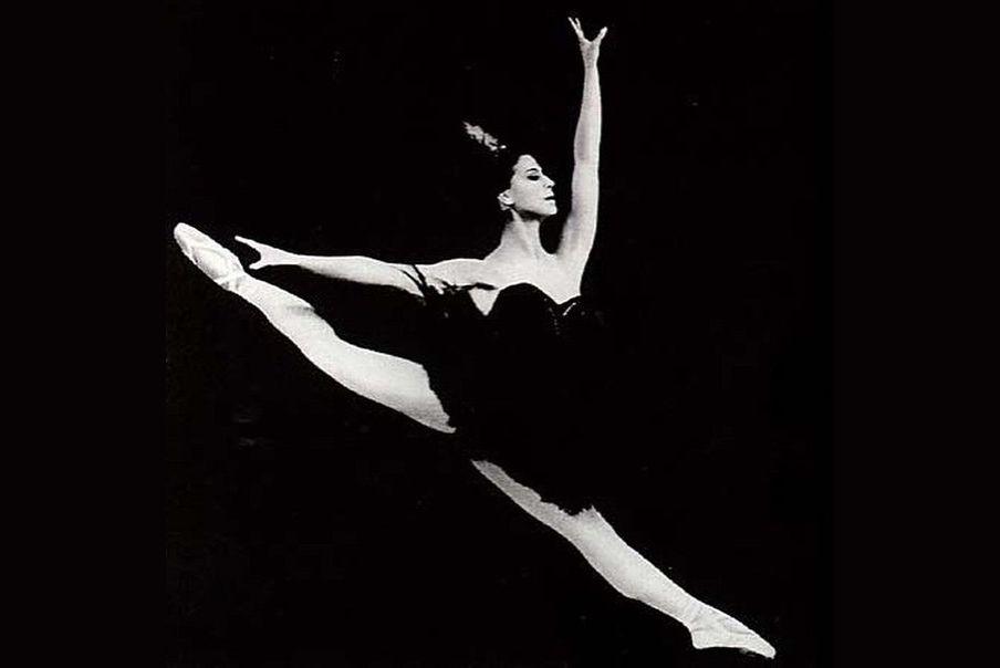 Μαγεία είναι όταν η Maya Plisetskaya χορεύει BOLÉRO του Ravel, σε χορογραφία Μορίς Μπεζάρ (1976)