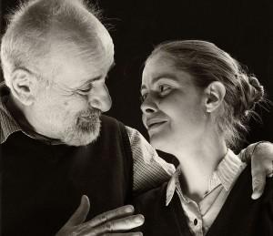 «Αυγά Μαύρα» του Διονύση Χαριτόπουλου στο Θέατρο Άρατος *κριτική