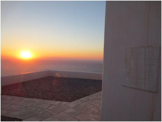 Παναγία η Παντοχαρά, το εκκλησάκι του Ελύτη στη Σίκινο