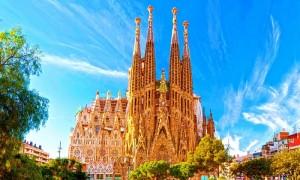 Βαρκελώνη, Σαγράδα Φαμίλια (La Sagrada Familia) ο Ναός της Αγίας…
