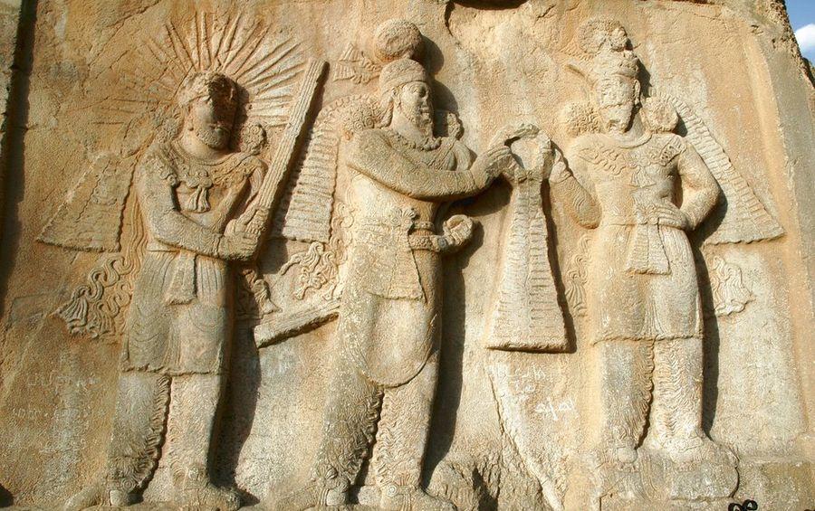 Μπροστά στα τείχη της Κτησιφώντος