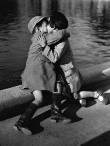 Ντοστογιέφσκι:  'Ένας άνθρωπος που ξέρει πως να αγκαλιάσει έναν…