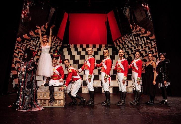 Ο Μολυβένιος Στρατιώτης, κριτική παράστασης | Θέατρο