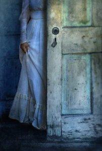 Οι εχθροί παραμονεύουν στην γωνία ντυμένοι ...ίδιοι οι δικοί σου…