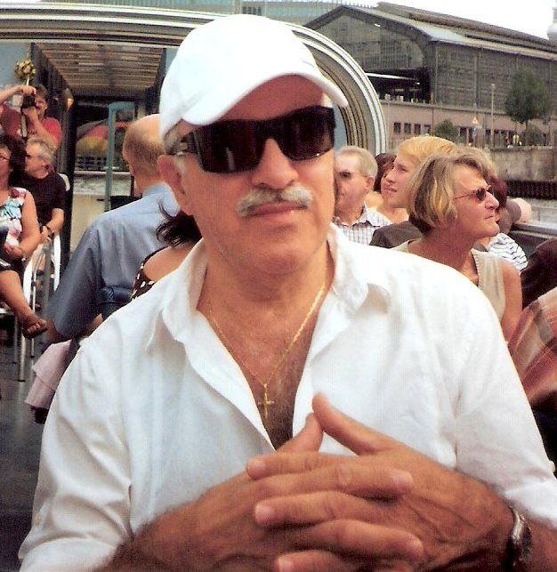 «Εξομολογήσεις» κριτική παράστασης Παύλος Λεμοντζής