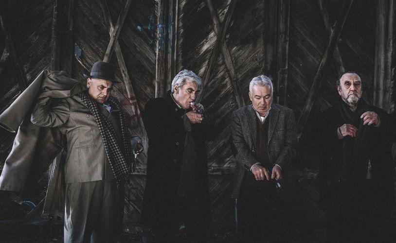 «Δάφνες και πικροδάφνες» κριτική παράστασης | Παύλος Λεμοντζής