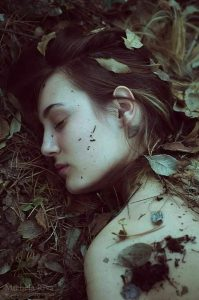 Νεκρές αγάπες σε ηλιόλουστους τάφους