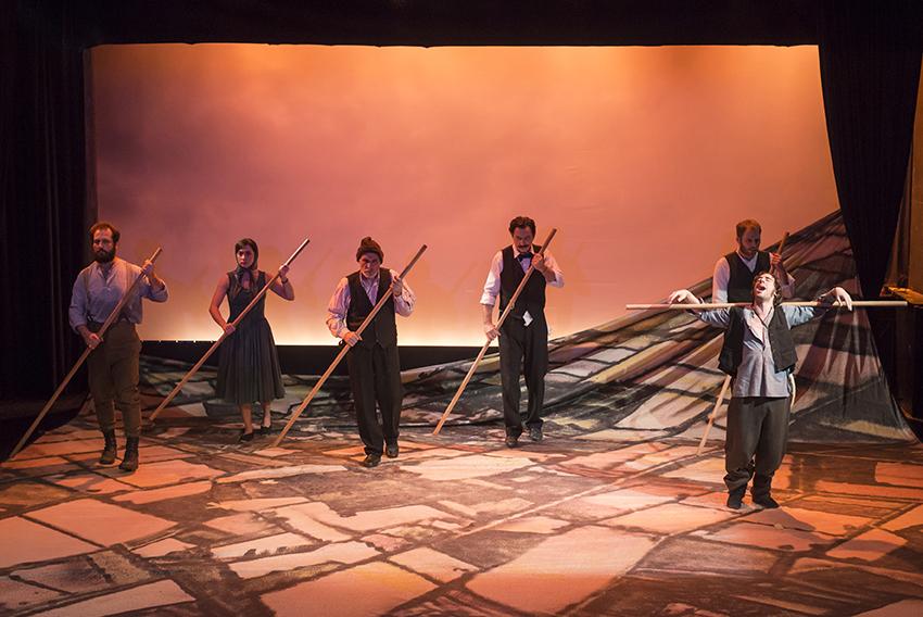 Το Χώμα Βάφτηκε Κόκκινο, Θεσσαλικό Θέατρο – κριτική παράστασης