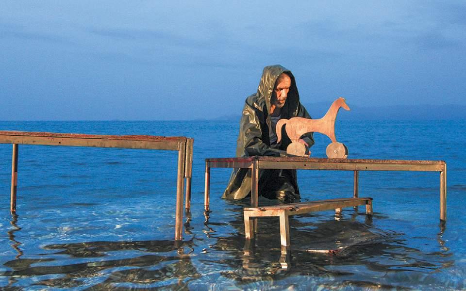 «Οδυσσέας, ο ήρωας της καρτερίας» στο Καρνάγιο Καβάλας σε σκηνοθεσία Θοδωρή Γκόνη, κριτική παράστασης
