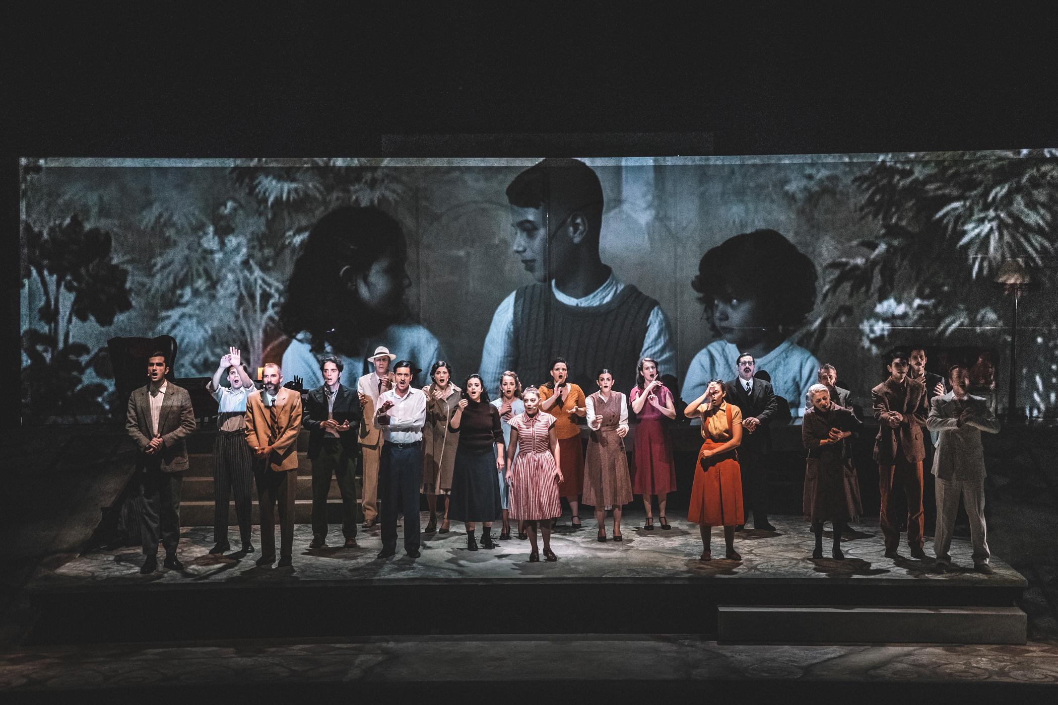 Νίκου Μπακόλα «Η Μεγάλη Πλατεία», κριτική παράστασης
