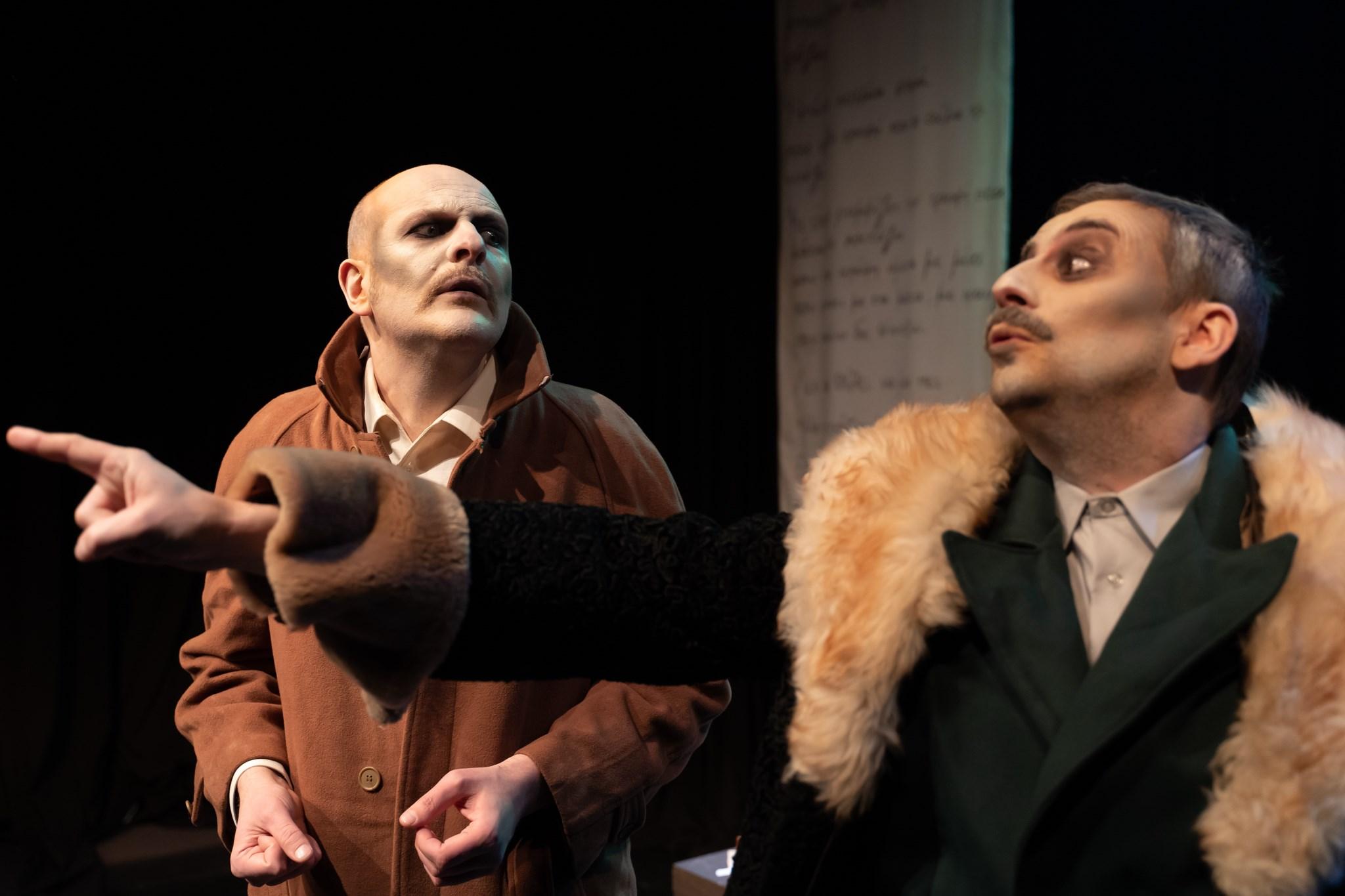 «Το παλτό» του Νικολάι Γκόγκολ  στο Θέατρο Σοφούλη, κριτική παράστασης