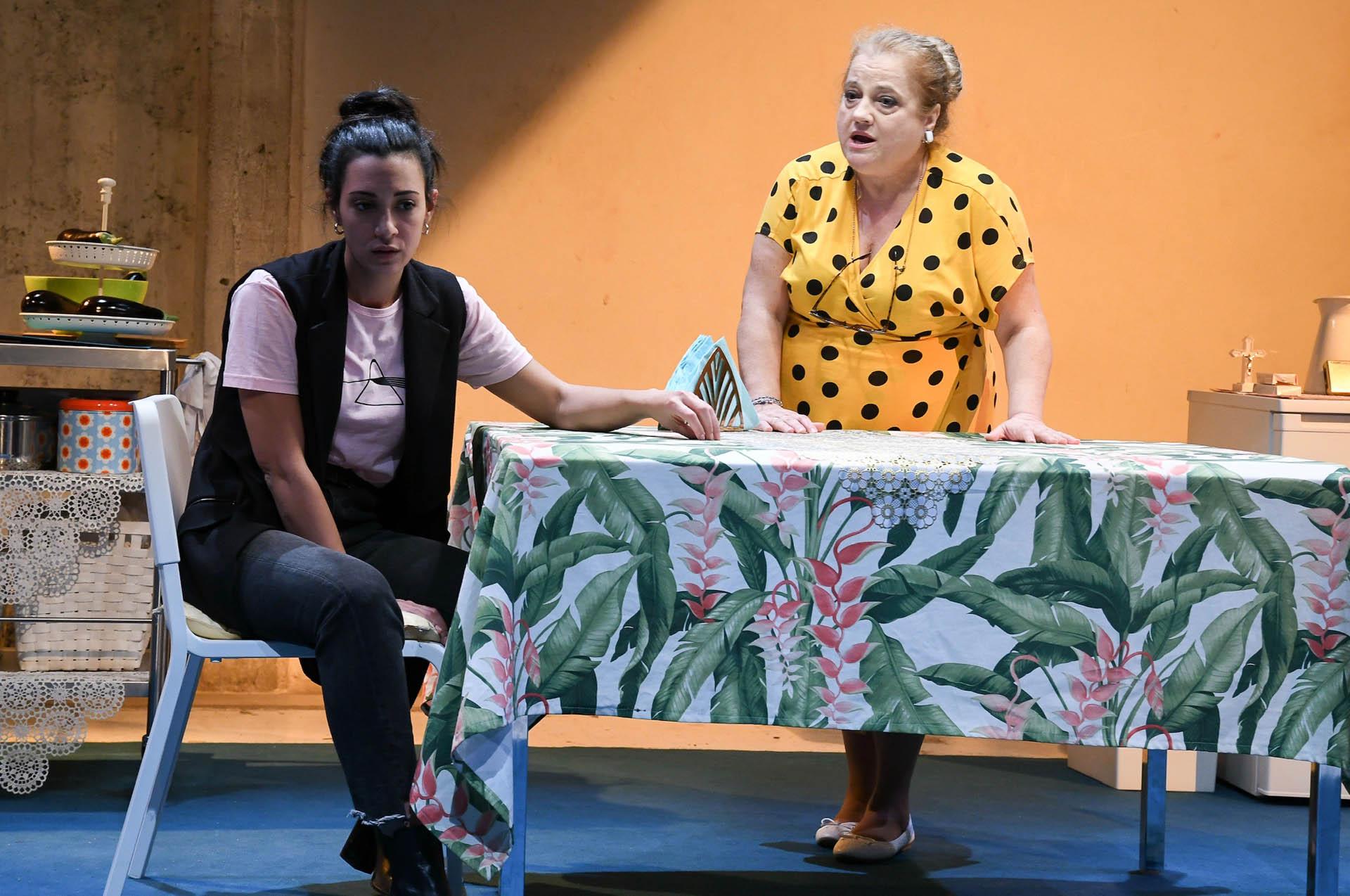 Μαμά στο Θέατρο Κατερίνα Βασιλάκου, κριτική παράστασης